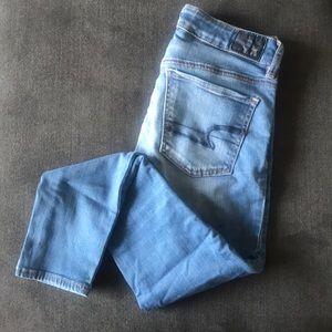 American eagle medium wash jeans